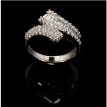 Ladies Beautiful 18k White Gold Round & Baguette Cut Diamond Ring .95ctw