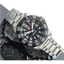 Luminox 3152. Swiss Quartz. Round Black Textured Dial. Night Vision. Unidirectional Bezel.Stainless