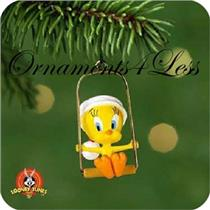 2001 Tweety  - Looney Tunes Miniature Ornament - QXM5305