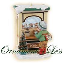 2009 Christmas Window #7 - Club Series Ornament - QXC9001 - NEAR MINT BOX