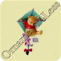 2001 Riding on a Breeze - Winnie the Pooh - QEO8612
