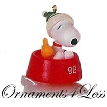 1998 Winter Fun With Snoopy #1 - Peanuts Miniature Ornament - QXM4243 - SDB