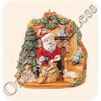 2006 A Glimpse of Santa - Magic Club Ornament - QXC6007 - DB