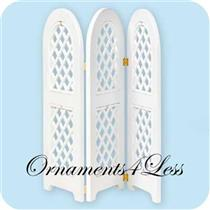 2004/2005 Spring Trellis Ornament Display Stand - QEO8581 - DB