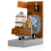 Hallmark Magic Ornament 2015 Platform 9 3/4 - Harry Potter - #QXI2119