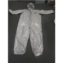 Case of 5 CPF C2 127 TGY 000600 Dupont Tychem 2 Coverall Gray size XL