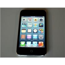 APPLE iPod Touch 4th Generation 16GB Black A1367 retina display used + USB cord