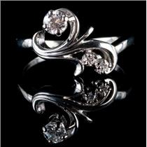 18k White Gold Round Cut Diamond Swirl / Floral Ring .29ctw