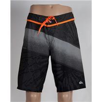 Quiksilver Men's Inclined 20: Boardshorts Grey/Orange 32