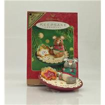 Hallmark Colorway / Repaint Ornament 2001 Sharing Santa's Snacks - #QX8212C