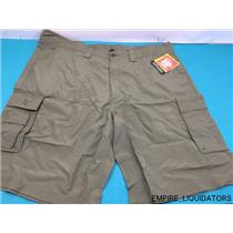 Men's Calcutta Green Fishing Shorts w/ Tags - Size 40 Model CFS-OL-40  -A
