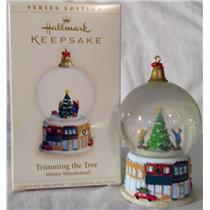 Hallmark Series Ornament 2006 Winter Wonderland #5 Trimming the Tree #QX2553-SDB