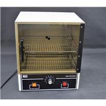 Quincy 10-140F Laboratory Analog 0.7 CF Incubator w/ Rack Oven