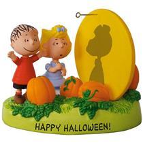 Hallmark Magic Halloween Ornament 2017 The Great Pumpkin Rises - Peanuts QFO5225