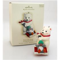 Hallmark Series Ornament 2007 Snowball and Tuxedo #7 - Here's the Scoop - QX7139