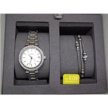 Fossil Watch/Bracelet ES4336 Set Womens Steel. Silver Tone w/Date. Crystal Bezel