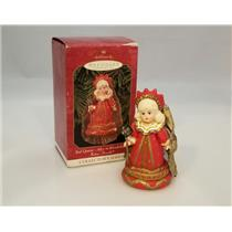 Hallmark Keepsake Series Ornament 1999 Madame Alexander #4 Red Queen - QX6379-DB