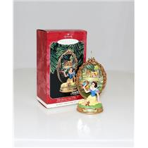 Hallmark Series Ornament 1998 Enchanted Memories #2 - Snow White - #QXD4056