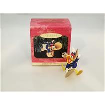 Hallmark Ornament 1999 Mickeys Holiday Parade #3 Donald Plays Cymbals QXD4057SDB