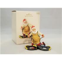 Hallmark Series Ornament 2007 Toymaker Santa #8 - Slot Car Race Track - #QX7057