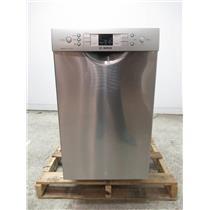 """Bosch 300 Series 18"""" 46 dBA Child Lock Built-In-Dishwasher Stainless SPE53U55UC"""