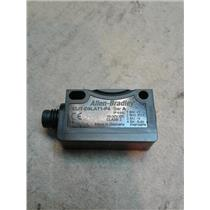 Allen-Bradley 42JT-D8LAT1-P4  42Jtd8Lat1P4 42Jt Visisight Photoelectric Sensor