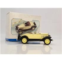 Hallmark Ornament 1999 Vintage Roadsters #2 - 1932 Chevy Sports Roadster #8379DB