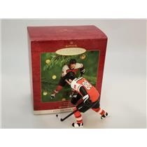 Hallmark Ornament 2000 Hockey Greats #4 - Eric Lindros - Flyers - #QXI6801