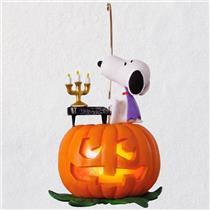 Hallmark Magic Halloween Ornament 2018 Spooky Snoopy - Peanuts Gang - #QFO5226
