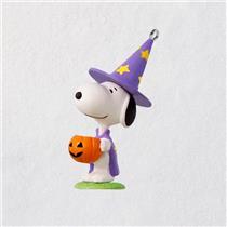 Hallmark Miniature Halloween Ornament 2018 Trick or Treat Snoopy - #QFO5256