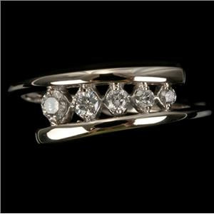 Ladies 10k White Gold Five Stone Round Cut Diamond Ring .25ctw