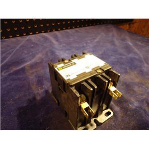 SQUARE D 8910 DPA3Z V02 40A CONTACTOR, 120V COIL