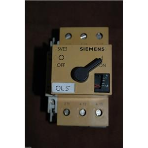 SIEMENS 3VE3000-2GA00 w/ 3VE9 301-1AA00 Manual Motor Starter