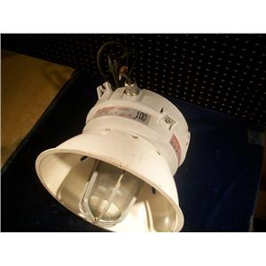 CROUSE-HINDS LMVS100/120, CHAMP LIGHTING FIXTURE