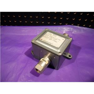 United Electric Co. J21KD-8542 Pressure Switch