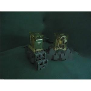 IDEC RH2B-UL RELAY W/ IDEC SH2B-05C RELAY SOCKET 10A 300V (LOT OF 2)