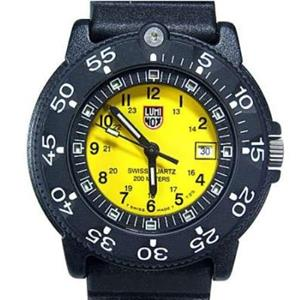 Luminox Womens 7005. 7000 Series Navy SEAL Pup. Yellow Dial Watch.