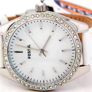 Fossil Women's ES2448. Glitz Analog Mother of Pearl DIal. White Leather Strap Watch.