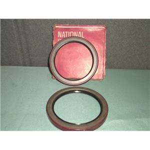 Lot of 2 New National Oil Seals 415142