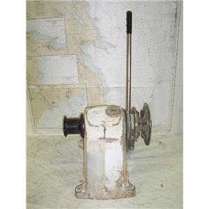 Boaters' Resale Shop of Tx 1309 0101.21 S-L SEALION 526 WINDLASS WITHOUT MOTOR