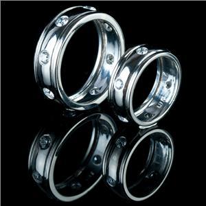 18k White Gold Round Cut Diamond Bride & Groom Matching Wedding Set 2.06ctw