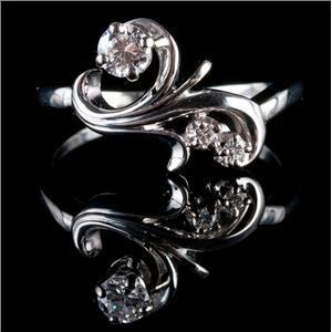 18k White Gold Round Cut Diamond Swirl / Floral Ring .29ctw