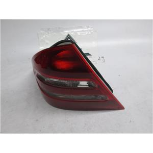 01-05 Mercedes W203 left tail light C230 C320 C240 2038200964