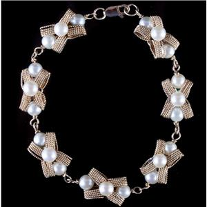 "Vintage 1960's 14k Yellow Gold Cultured Pearl ""Bow"" Bracelet 7.5"" Length"
