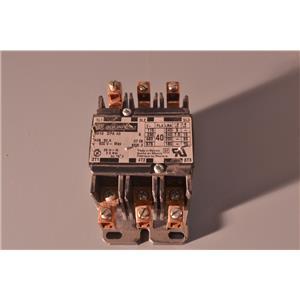 Square D 40A Contactor, 208-240V Coil, 3 Pole,  8910DPA32