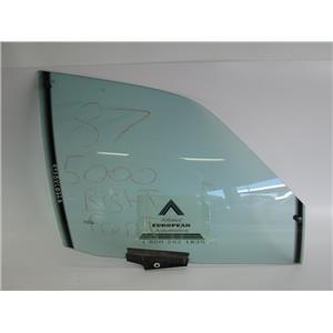 Audi 5000 right front door glass 443845022G