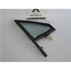 Audi 4000 80-84 right front vent window glass 813837606A