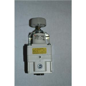 SMC IR2000-N02B Regulator, Precision Modular