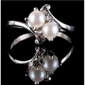 Vintage 1970's 10k White Gold Round Cut Cultured Pearl Ring Size 6.75