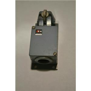 Cutler-Hammer 10316H10D Limit Switch with Roller